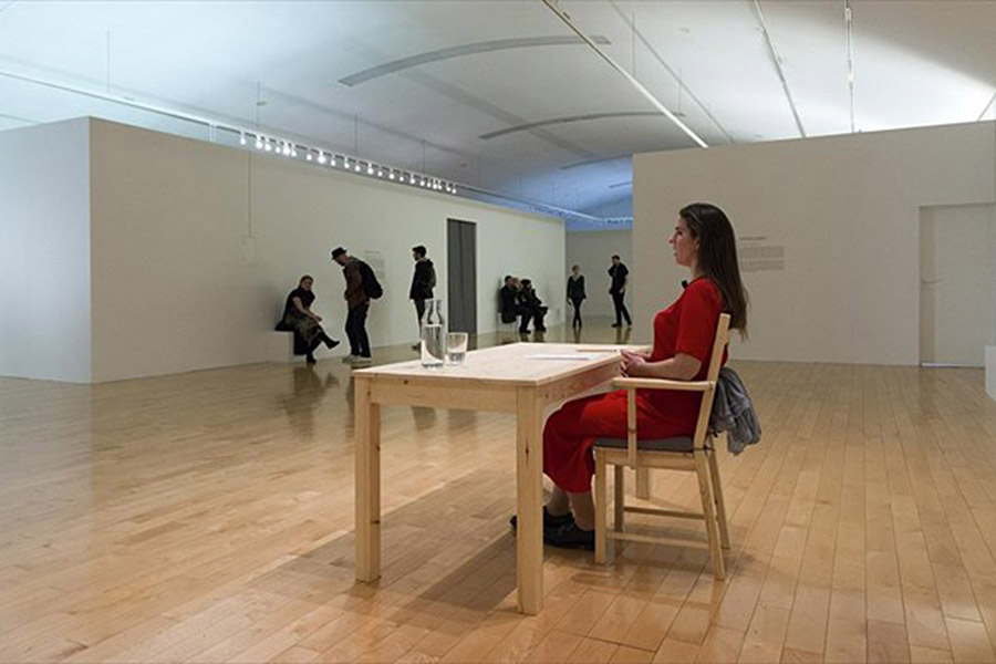 schema_design_marina_abramovic_as_one_exhibition_neon10.jpg