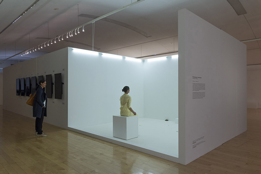schema_design_marina_abramovic_as_one_exhibition_neon5.jpg