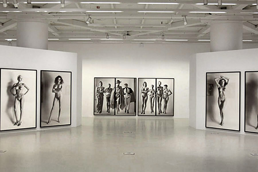 schema_design_helmut_newton_exhibition7.jpg